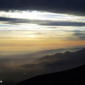 Début du coucher du soleil au Misti basecamp