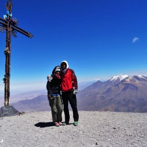 Au sommet du Misti avec le Chachani derrière