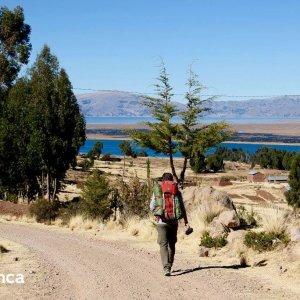 trekkeur au titicaca